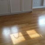 Podłoga olejowana w trakcie schnięcia.