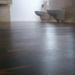 Podłoga olejowana jest szlachetnie matowa.